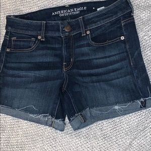Never worn AE denim short